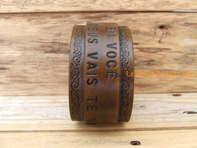 Bracelet de force FRISES FLORALES bouton de COL inscriptions MARRON ANTIQUE (1)